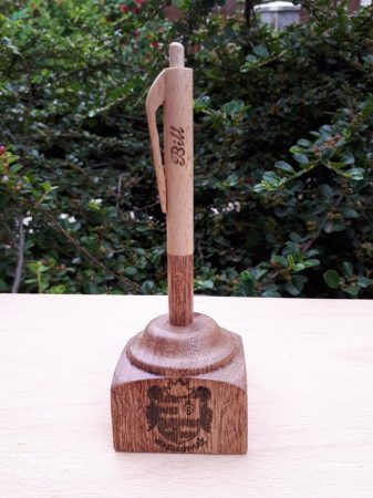 Asztali tartós toll - Címer - Logó - Amaranth és jávor fából