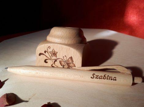 Fa toll asztali tartóval - Pillangó grafikával