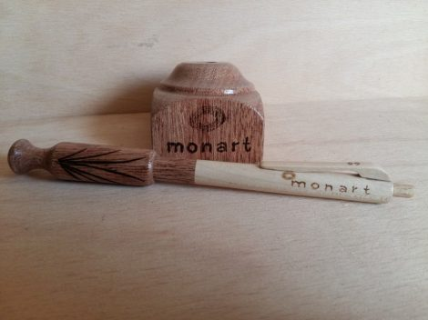 Asztali tartóval készített toll - amaranth fából 1