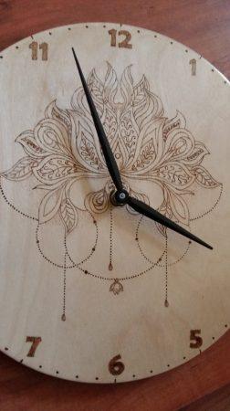 Falióra - Pirográffal, kézzel gravírozva - Mandala