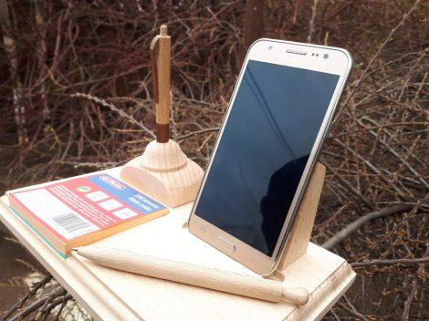 Telefon és írószertartó